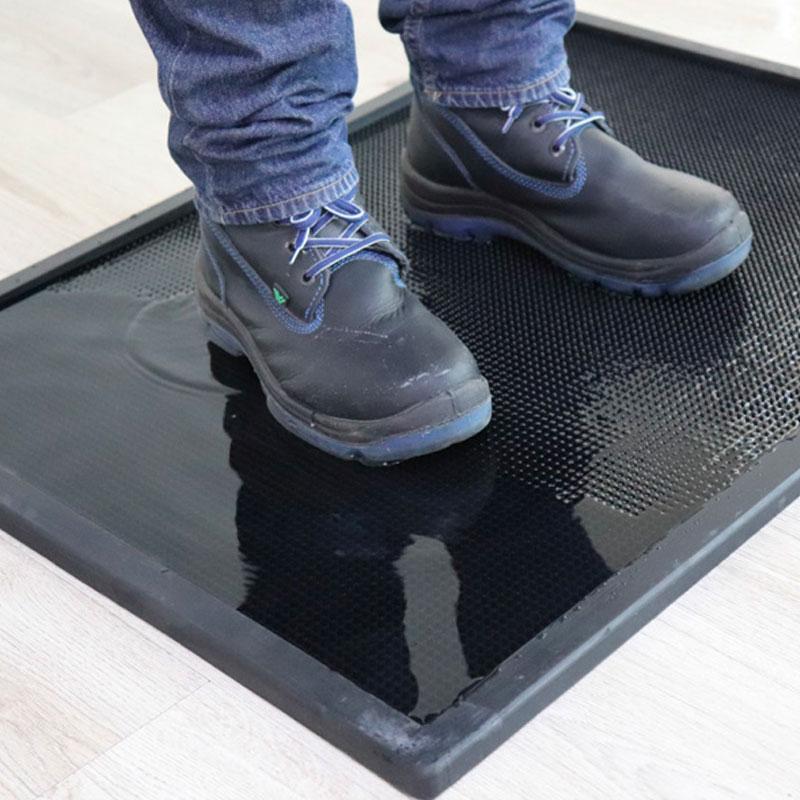 Nº 12500 Sanitizing Footbath Scraper